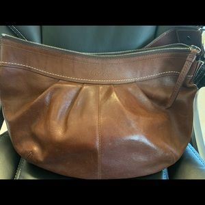Coach Bags - Coach shoulder bag. Beautiful